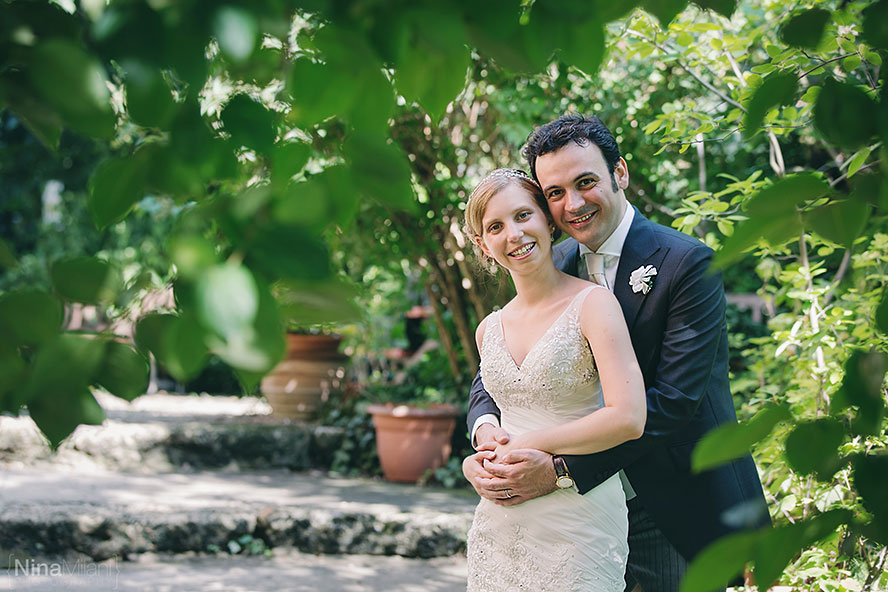 Wedding-photographer-italy-north-piedmont-Castle-Pralormo-castello-fotografo-matrimonio-nina-milani-american-bride-groom-purple-(32)