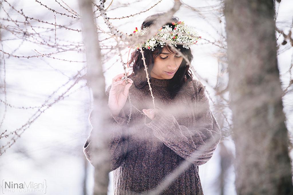 fotografo ritratti torino italy sauze d'oulx snow neve nina milani photography portrait fashion flower garland (12)