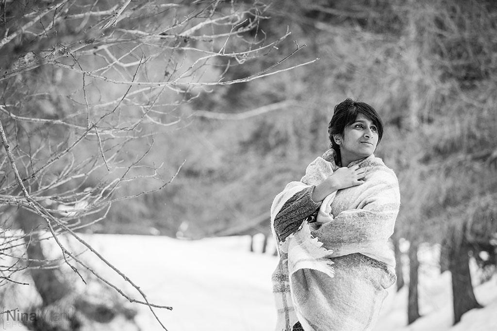 fotografo ritratti torino italy sauze d'oulx snow neve nina milani photography portrait fashion flower garland (6)