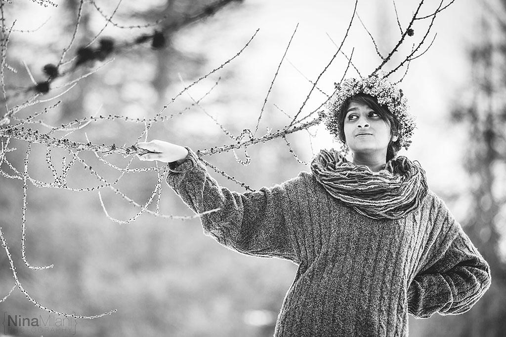 fotografo ritratti torino italy sauze d'oulx snow neve nina milani photography portrait fashion flower garland (7)