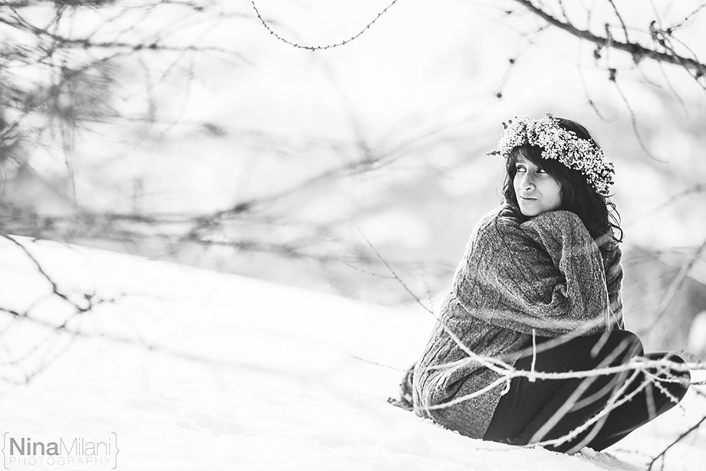 fotografo ritratti torino italy sauze d'oulx snow neve nina milani photography portrait fashion flower garland (9)